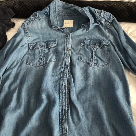 American Eagle Outfitters Tops - Boyfriend fit button down